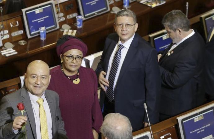 Kolombiya'da Eski Farc Gerillaları Artık Parlamentoda