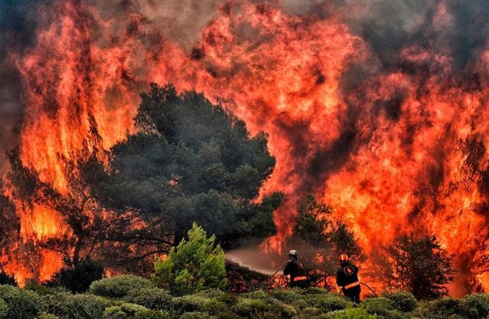 Yunanistan tarihinin en büyük yangınlarından biri