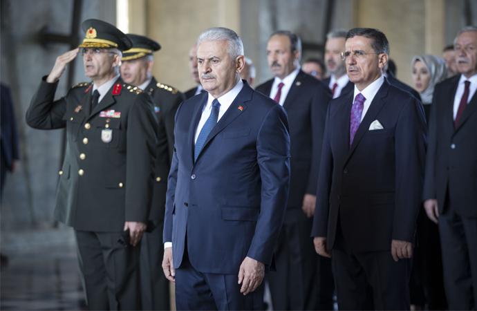 Meclis Başkanı ve Başkanlık divanı üyeleri Anıtkabir'de