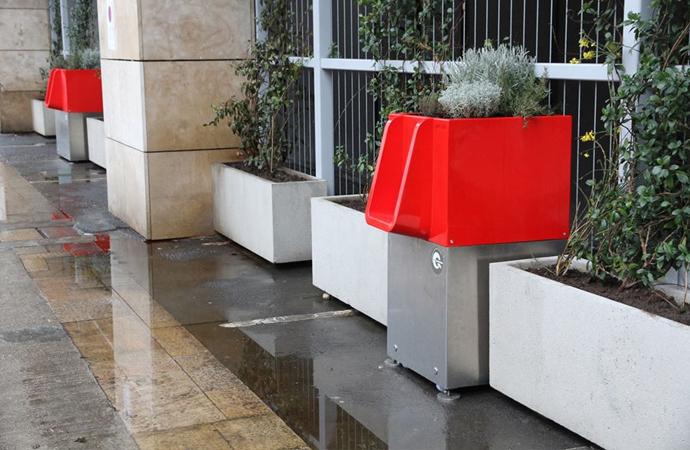 Paris'te idrar kokusuna 'Modern' çözüm!