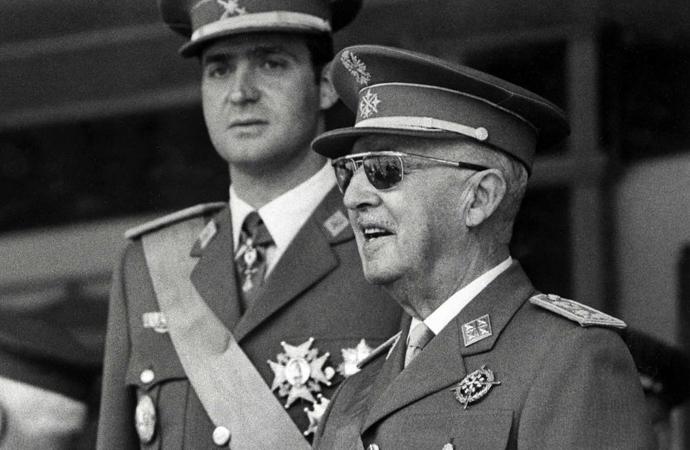 Eski Diktatörün naaşı başka yere nakledilecek
