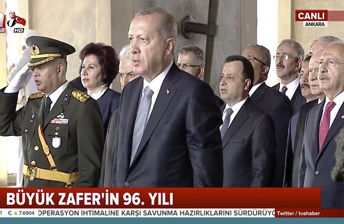 Devlet erkanı Atatürk'ün huzuruna çıktı
