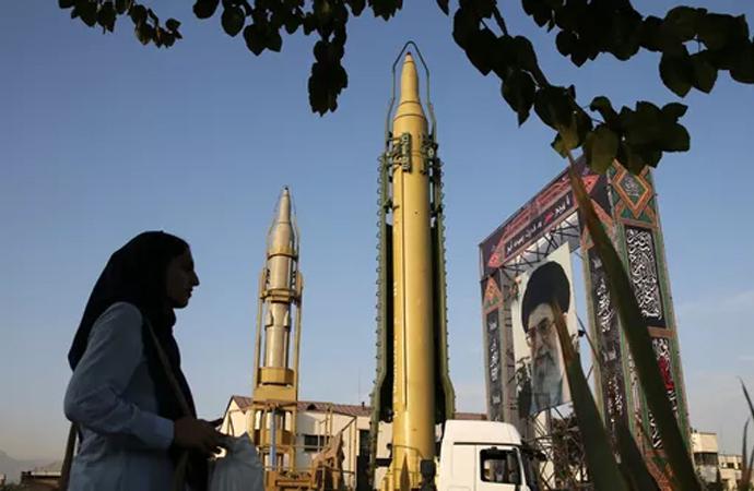 İran'dan Irak'a füze transferi