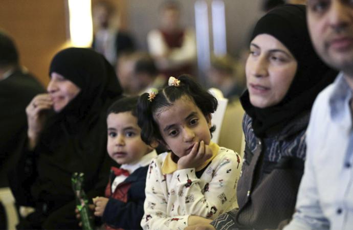 Türkiye'deki Suriyeliler geri dönmeye sıcak bakmıyor