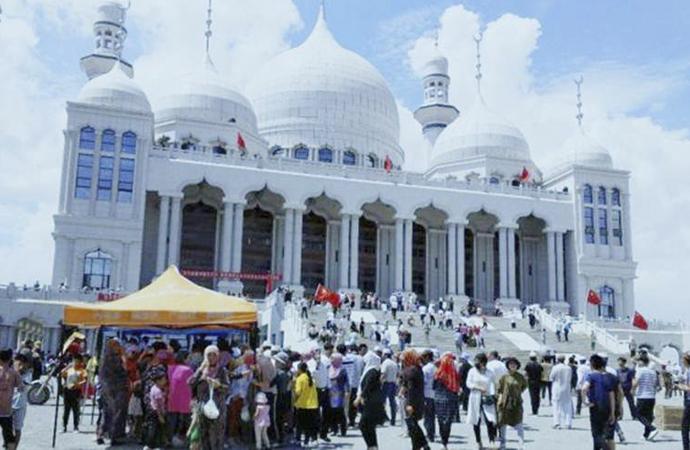 Çin'in camiyi yıkma kararına Müslümanlardan tepki