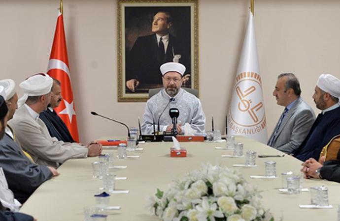 Erbaş: 'Müslümanların fıkıh meclislerine ve alimlerine ihtiyacı var'