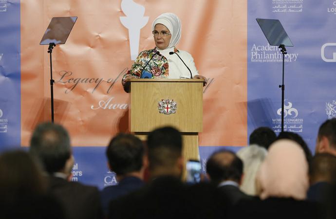 Emine Erdoğan'a Londra'da hayırseverlik ödülü