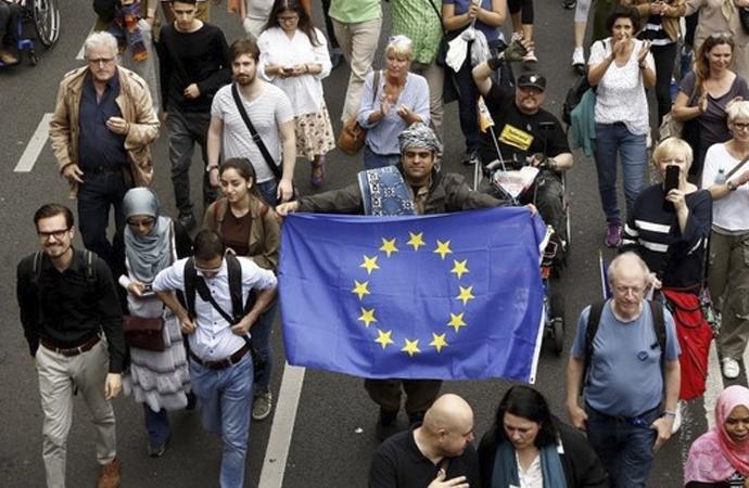 Avrupa, 'görünür olmayan' bir İslam istiyor!
