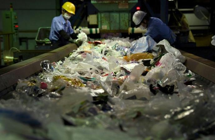 Guardian: Türkiye, İngiltere'den plastik çöp ithalatını artırıyor