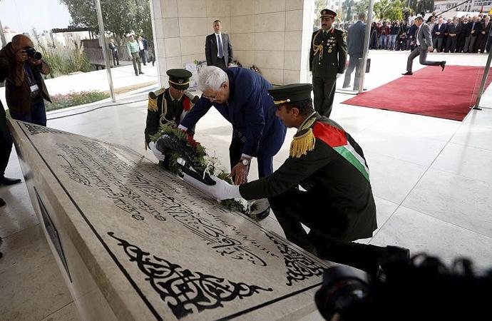 Arafat'ın anıt mezarına ziyaret