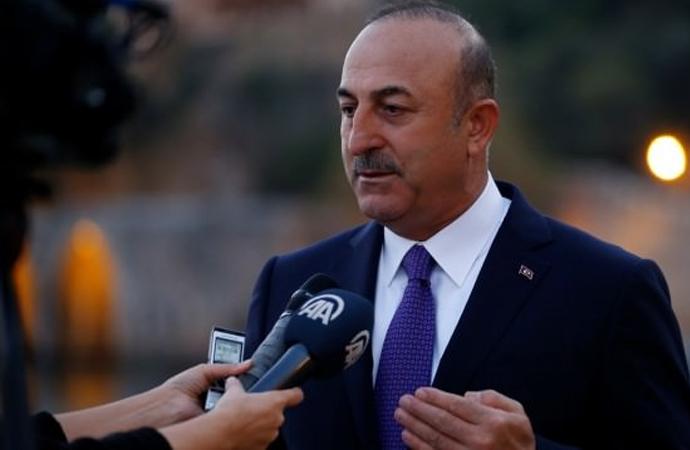 Çavuşoğlu: Fransa Dışişleri Bakanı haddini aşmıştır!