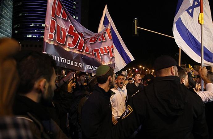 Ateşkese karşı çıkan Yahudilerden istifa çağrısı