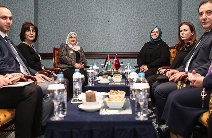 KADEM zirvesinde Filistinli kadınlar için mutabakat