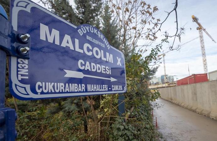 ABD Büyükelçiliğinin bulunduğu caddeye 'Malcolm X' tabelası