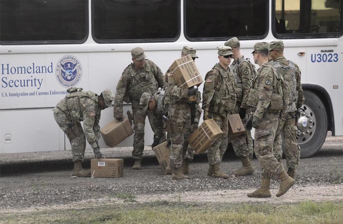 Yürüyüşteki göçmenlere karşı başlangıç olarak 5 bin Amerikan askeri