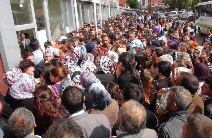 Resmi rakamlara göre işsiz sayısı 330 bin kişi arttı