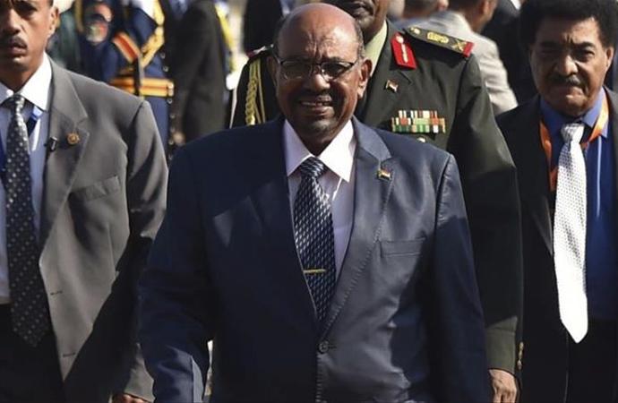 Sudan ordusu: 'Ülke yönetimin yanındayız'
