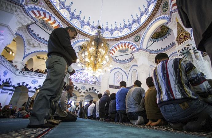 Müslümanlardan 'Cami vergisi' alınsın 'önerisi'