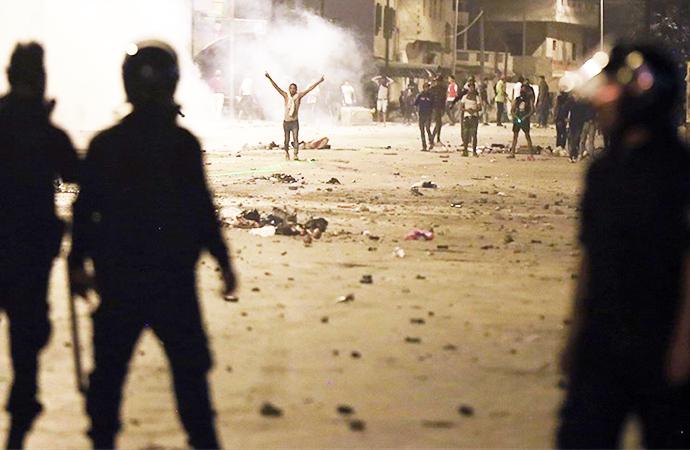 Arap Baharı ülkelerinde halk yine sokakta