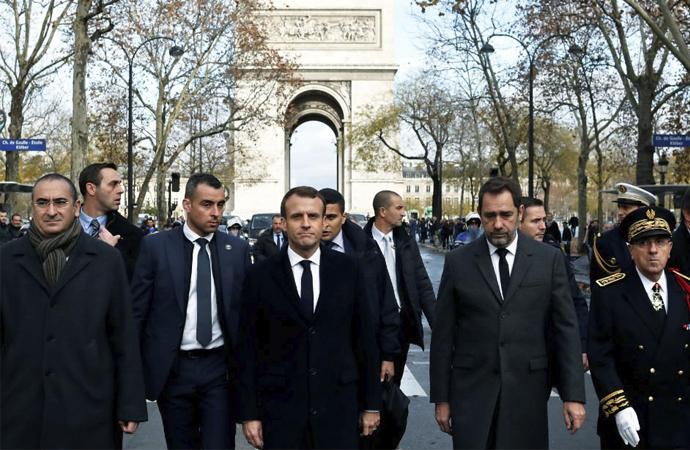Fransa'da bugün büyük gösteriler bekleniyor
