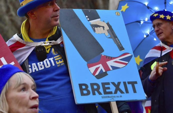 """İngiltere Başbakanı: """"Brexit'i engellemek isteyenler var"""""""