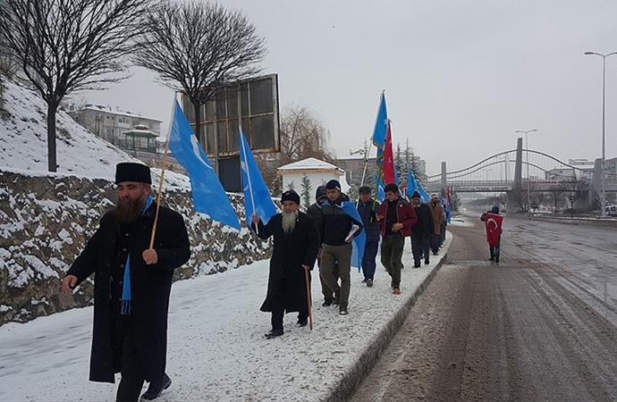 Doğu Türkistan için yürüyen grup Kızılcahamam'da