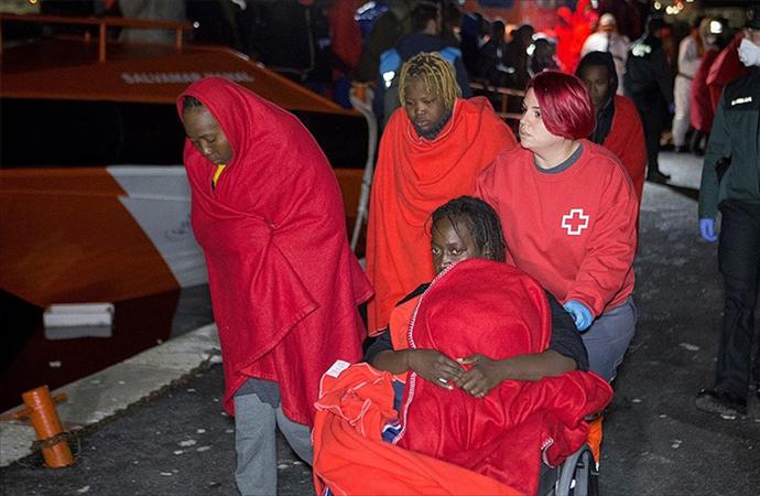 Akdeniz'de iki facia: 170 göçmen öldü veya kayıp oldu