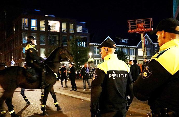 Amsterdam'da cami saldırılarına karşı güvenlik