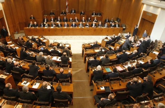 Lübnan'da siyasi kamplaşmalar derinleşiyor