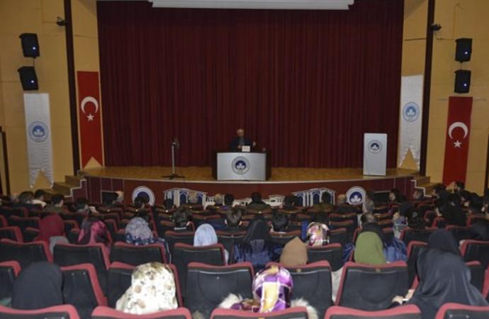 """""""Küresel Sistemin Bir Oyunu Olarak İslam ve Terör"""" Konferansı"""
