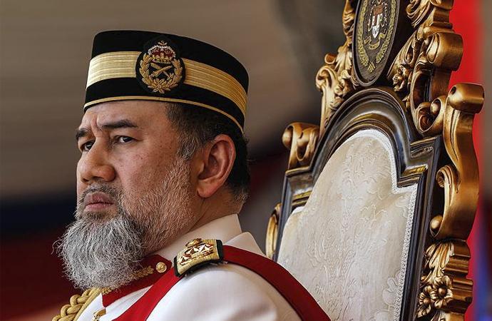 Malezya kralı feragat etti, yeni kral nasıl seçilecek?
