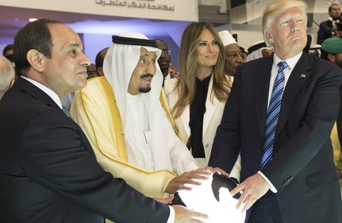Sisi Arap dünyasının liderliğine mi oynuyor?