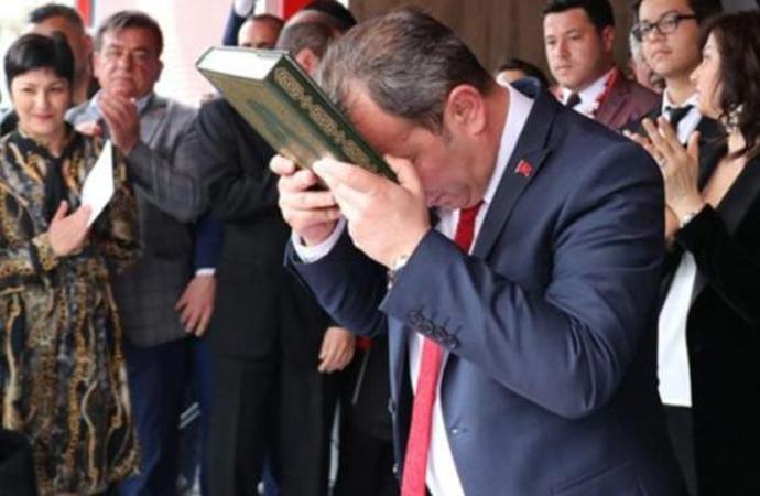 CHP'li Başkan, Kur'an'a el basıp yemin etti