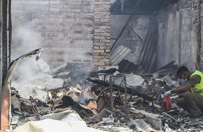 Sri Lanka'da, Müslümanlara ait bir fabrika yakıldı
