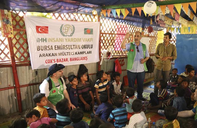 Bursa'dan Arakanlı Müslümanlara 414 bambu ev