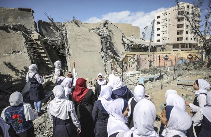 Gazze'de okullar da İsrail'in hedefi