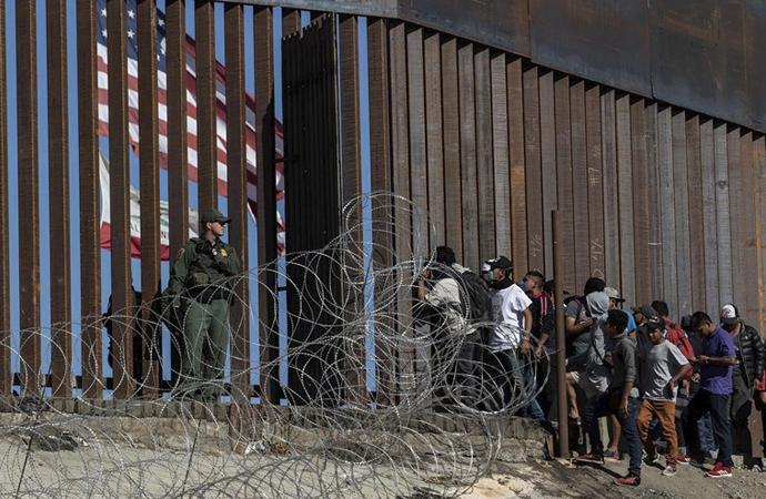 Trump, Meksika'ya da gözdağı verdi