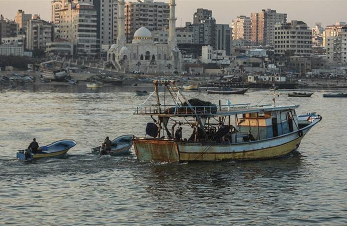 İsrail, Gazzeli balıkçıların avlanma mesafesini düşürdü
