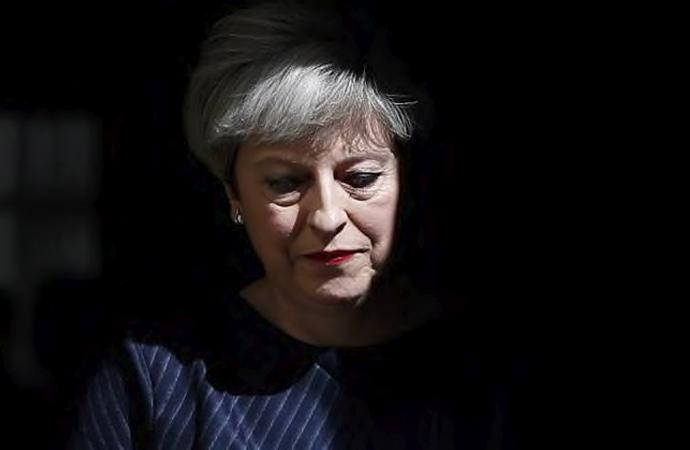 Brexit beceriksizliği Theresa May'in sonunu getirdi