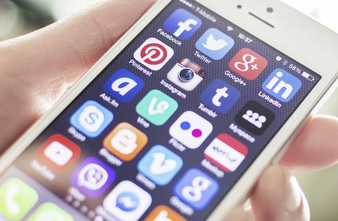Çalışanlar sosyal medya paylaşımlarını patronlarından gizliyor