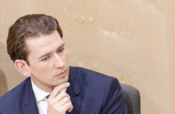 Avusturya parlamentosu Başbakan Kurz'un görevine son verdi