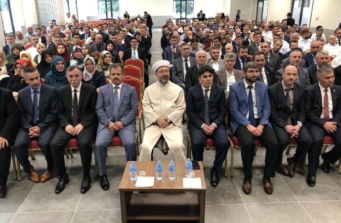 Erbaş: 'Yaşantımıza bakanın İslam'a ısınması lazım'