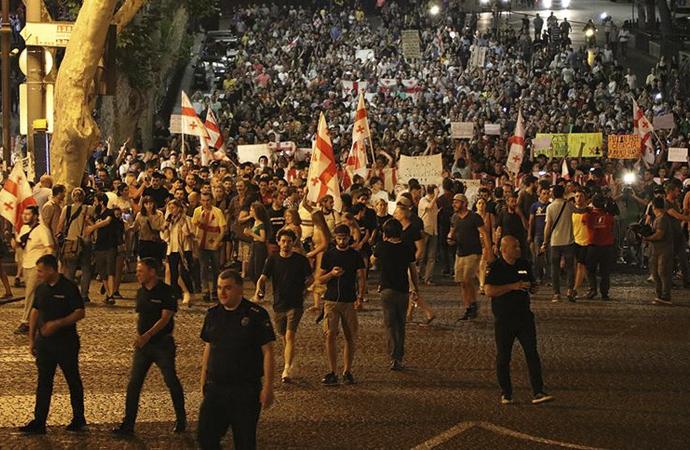 Gürcistan'daki olayların ardında siyasi hesaplar var
