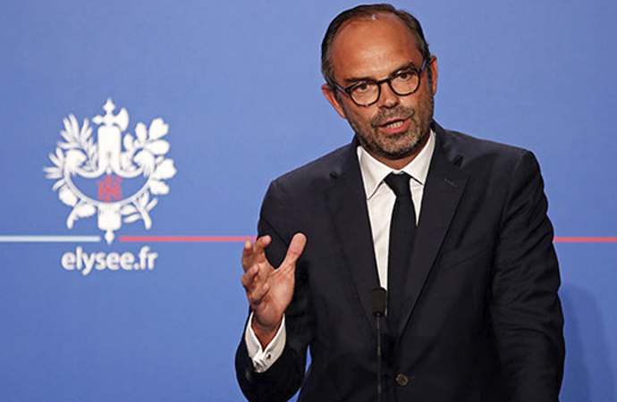 Fransa Başbakanı Philippe: Hiçbir din, kurallara riayeti engelleyemez!