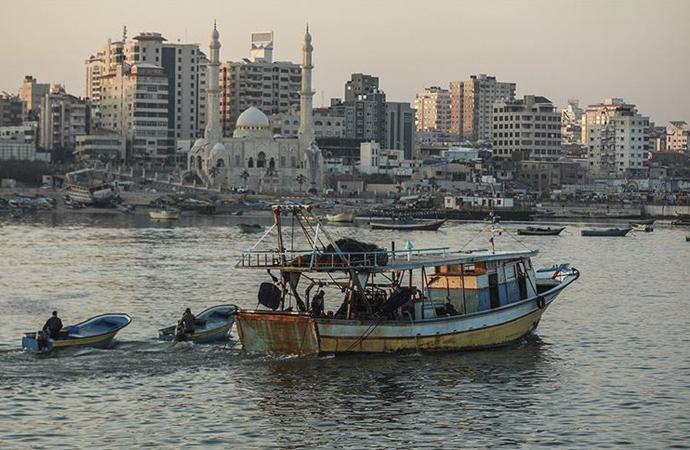 İsrail Gazze'deki avlanma mesafesini yeniden düşürdü