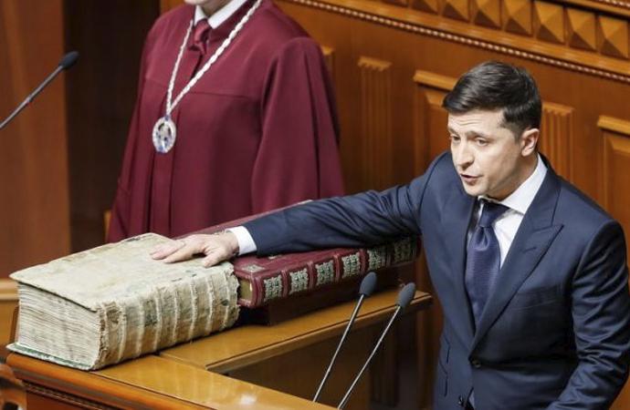 Ukrayna'nın başında bir komedyen: Zelenskiy
