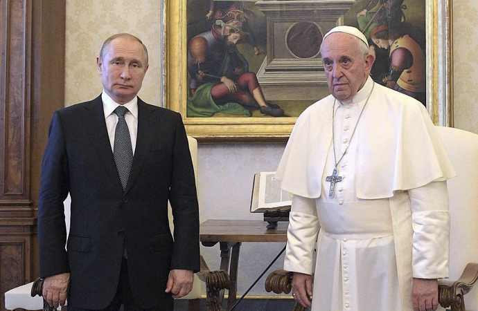 """Papa'dan Putin'e: """"Benim için dua et"""""""