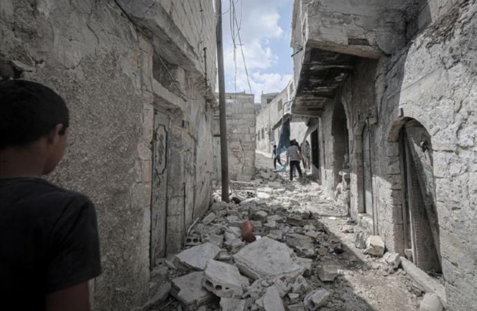 Esed ve Rusya, İdlib'e aralıksız saldırıyor!