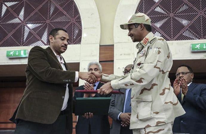 Sudan'da 39 aylık geçici ortak yönetim kararı