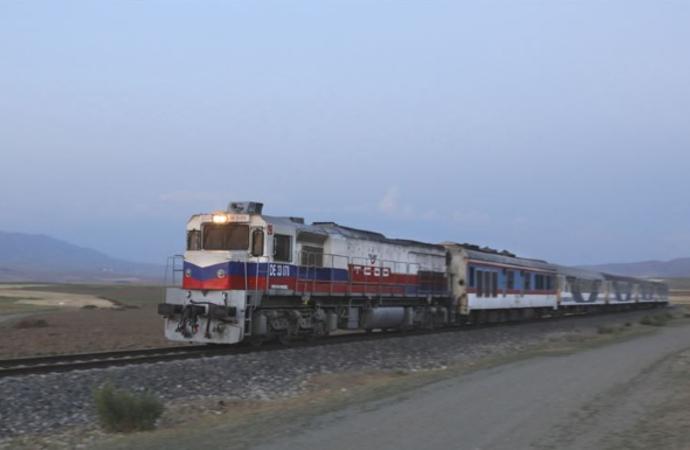 2015'te kesilen tren seferleri yeniden başladı